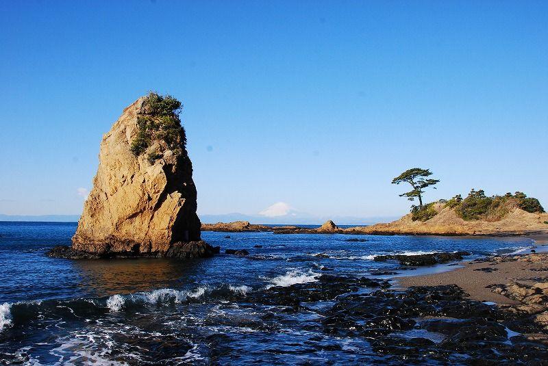 岩×松×富士山で「the日本の海の風景」