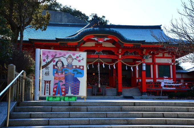 女性に霊験あらたかと人形供養の「淡嶋神社」と戦争遺跡「由良要塞」