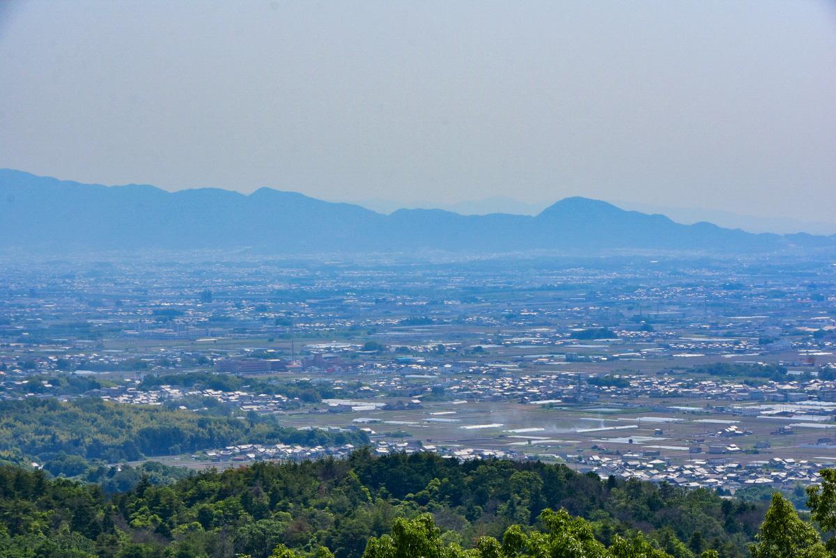 石仏ファン必見のスポットが点在!「高円山コース」