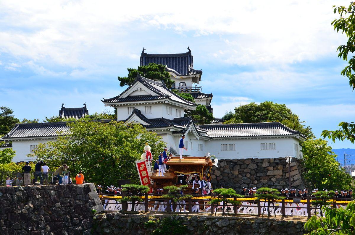 だんじりと岸和田城天守閣をカッコよく撮りたい