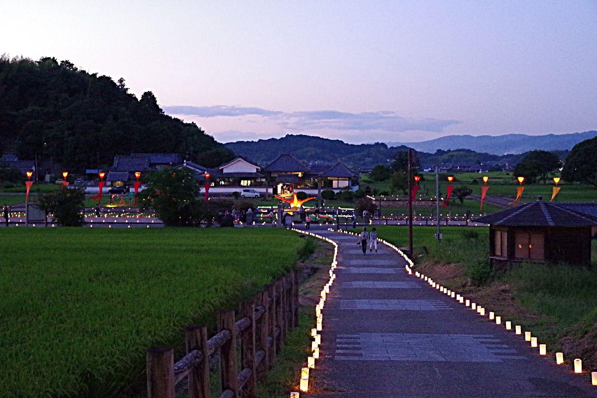 聖徳太子誕生の地「橘寺」と飛鳥三大寺のひとつ「川原寺」