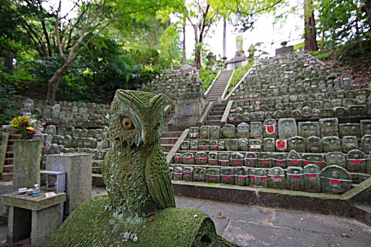 見事な千体石仏のある九品寺