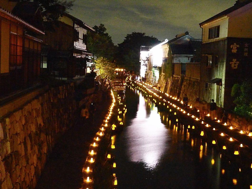 滋賀・近江八幡「八幡堀まつり」で夜景と水面の灯りを楽しもう!