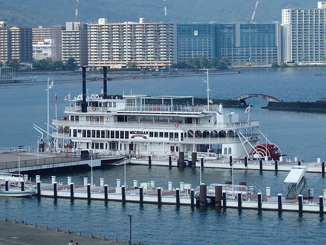 琵琶湖の遊覧船「ミシガン」とは