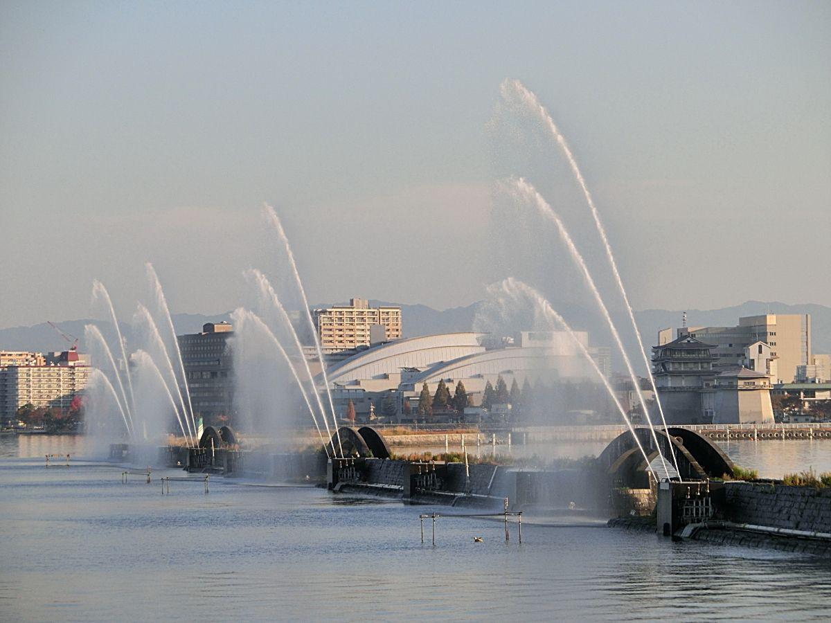 船上から琵琶湖の風光も楽しもう