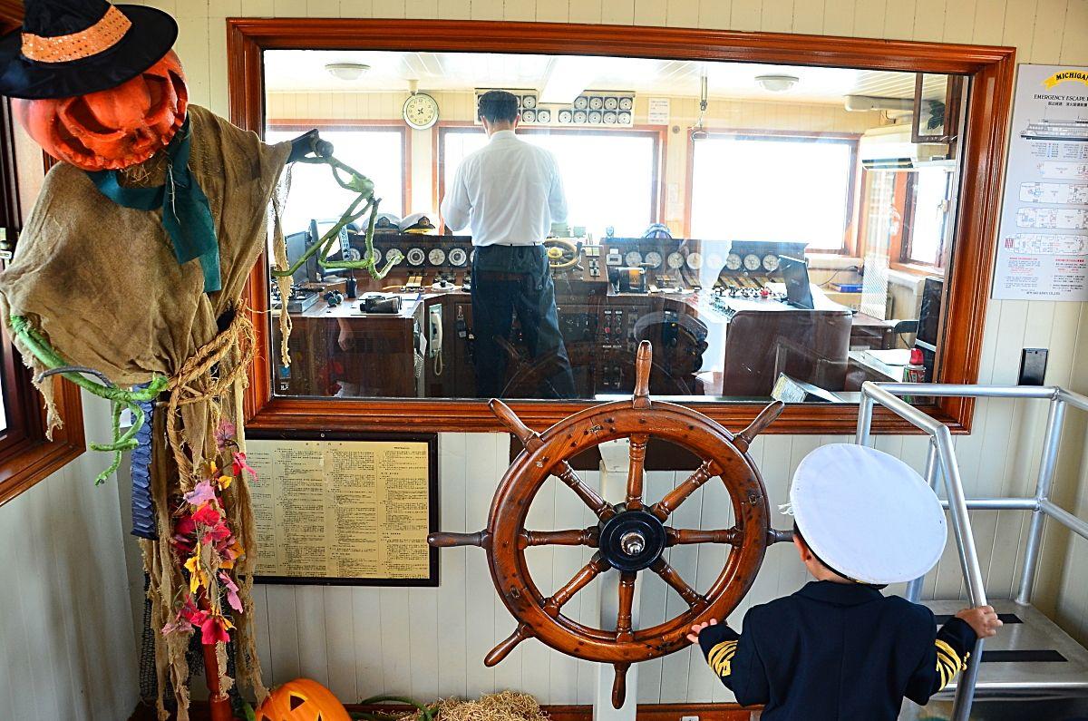 ミシガンの船内を探検してみよう!