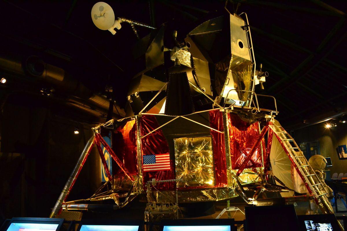 映画『アポロ13』で有名になったアポロ計画とは
