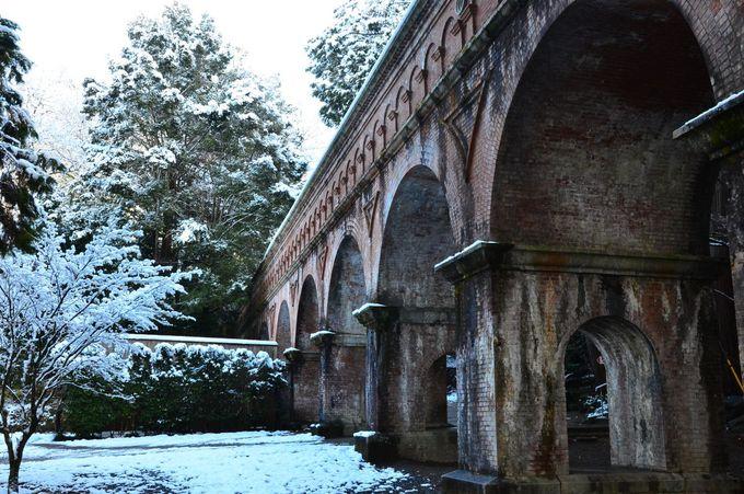 清々しい雪に覆われた京都五山の別格寺院「南禅寺」