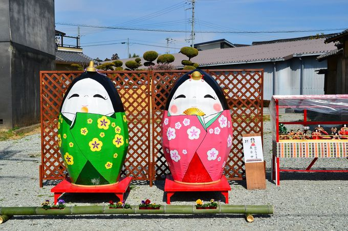 高取町「町家のひなめぐり」ではジャンボ雛がお出迎え