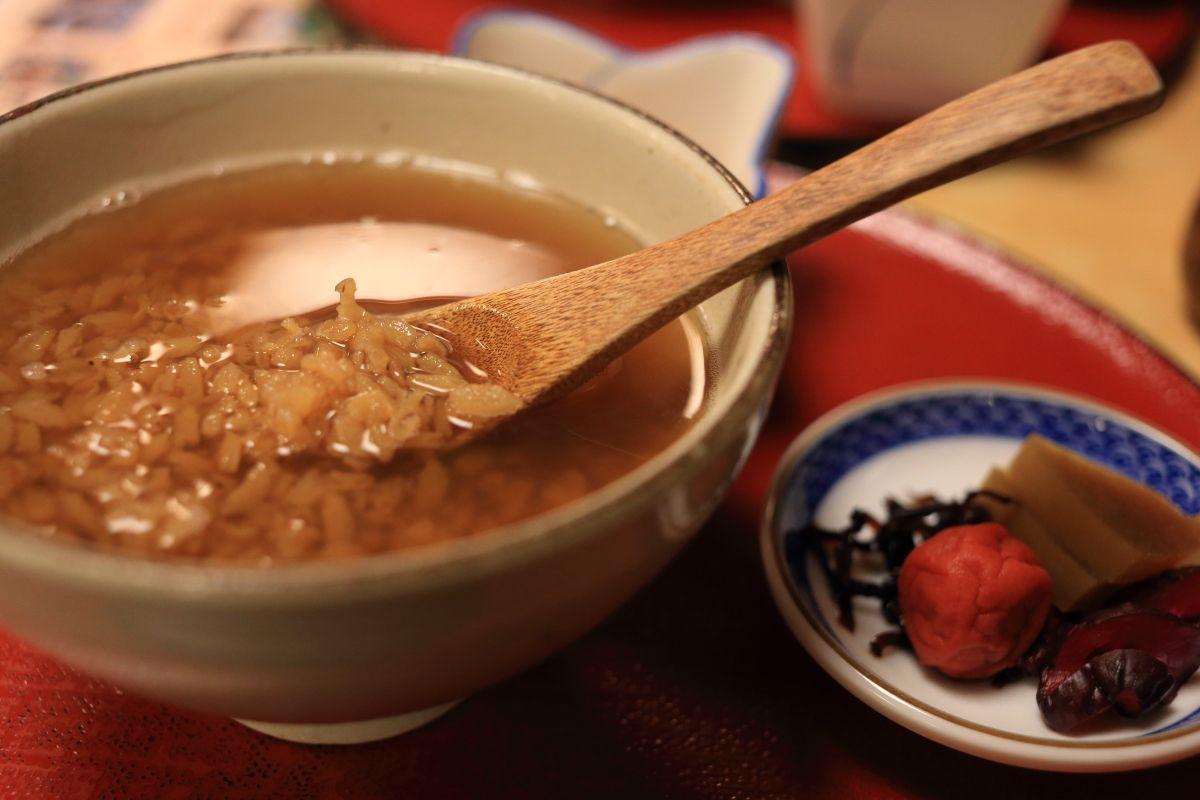 東大寺絵馬堂茶屋で暖かい食事を頂く