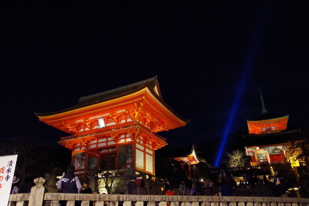 まずは「清水寺」からスタートしよう