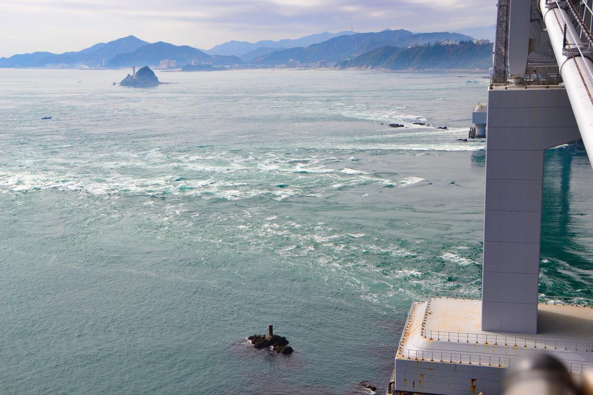陸上のうずしお展望台「鳴門岬」と「千畳敷展望台」