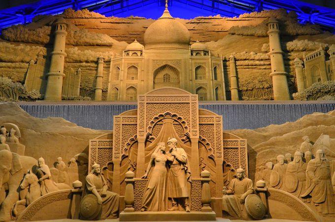 3.鳥取砂丘と一緒に!砂の彫刻が儚く美しい「砂の美術館」