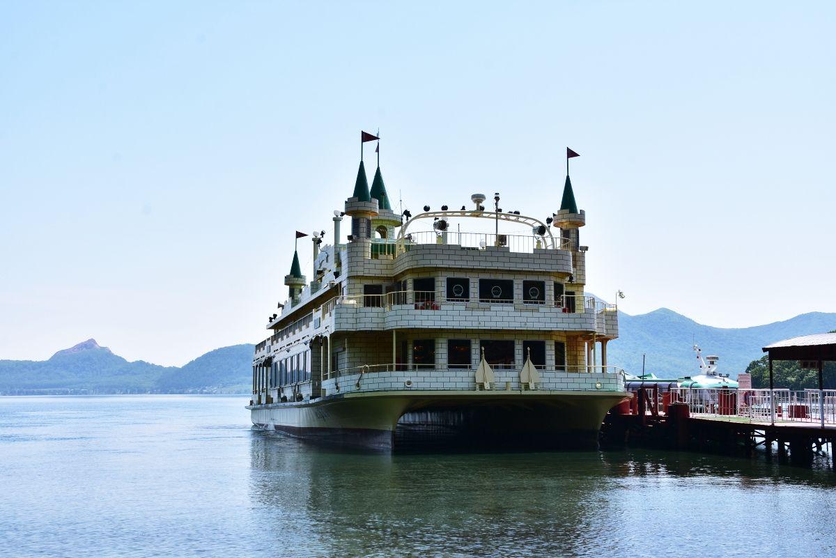 洞爺湖汽船の個性豊かな遊覧船たち