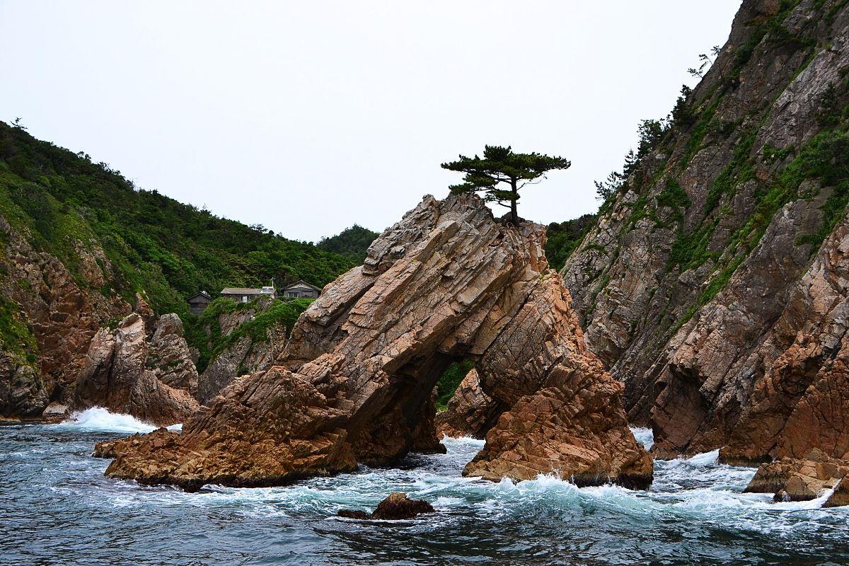 1日目午前:山陰の松島「浦富海岸遊覧船」に乗船しよう