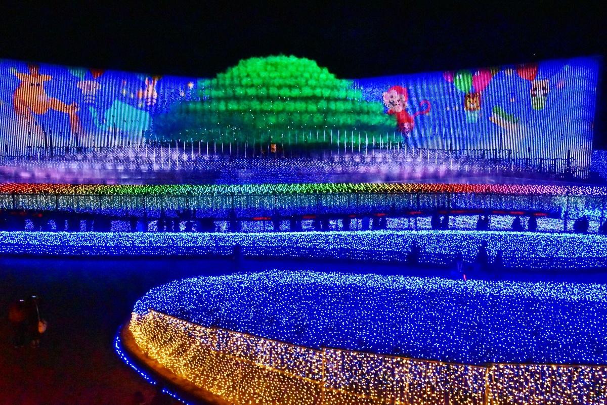 三重・なばなの里イルミネーション「奇跡の大樹」で光の絶景を満喫!
