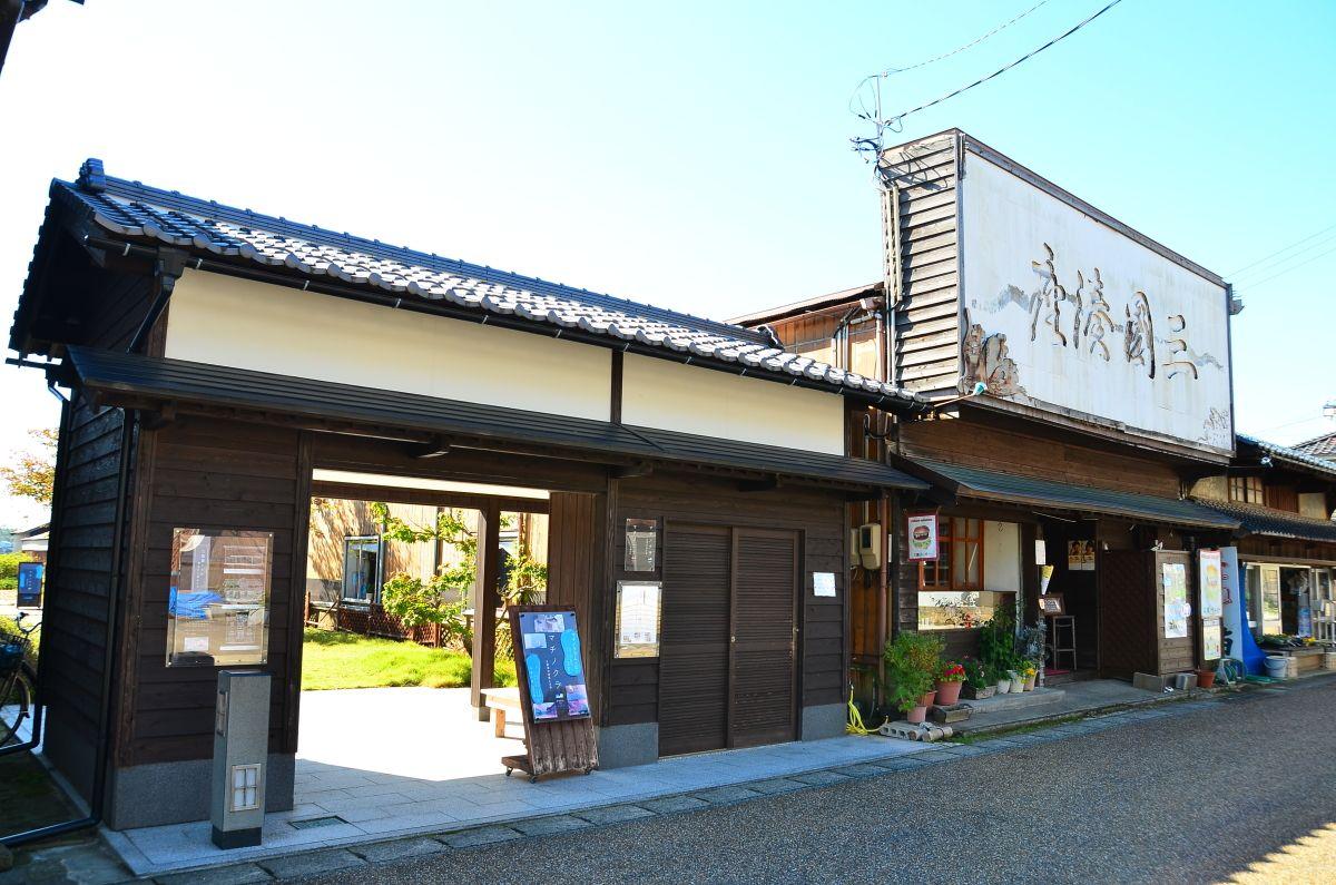 福井県「三國湊きたまえ通り」でレトロな街歩きを楽しもう!