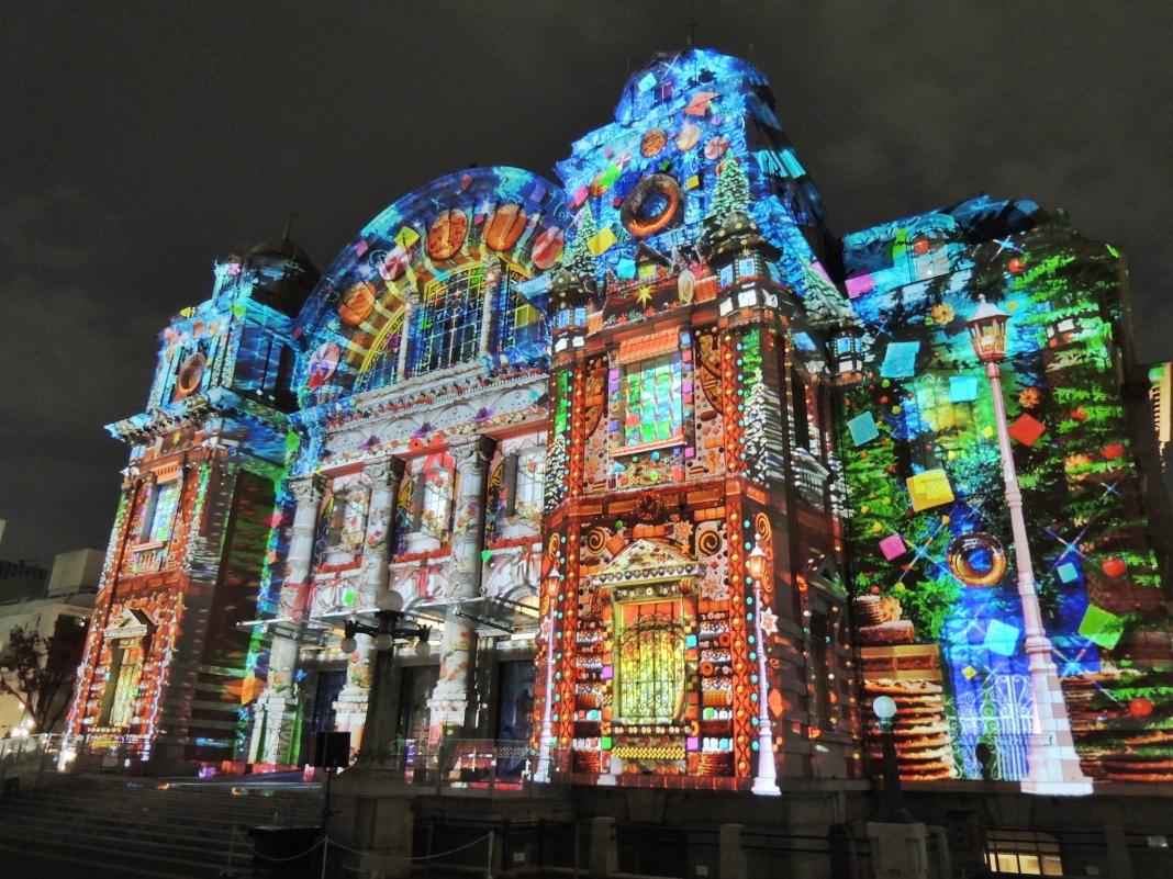 大阪市中央公会堂の「プロジェクションマッピング」は必見