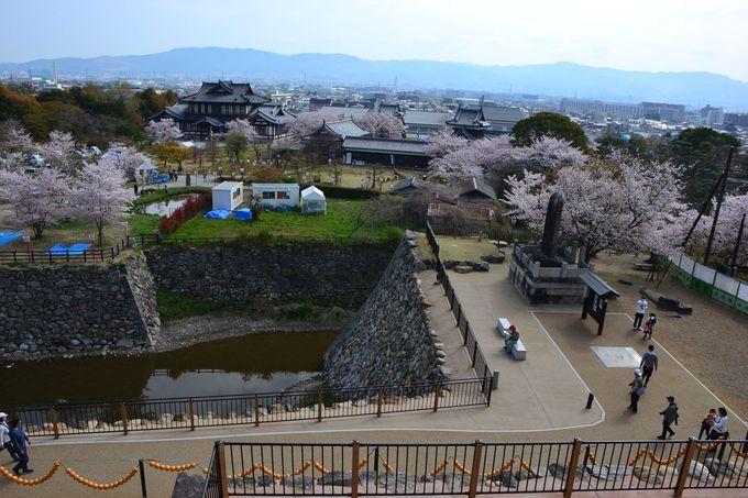 「郡山城天守台展望施設」から奈良盆地を見晴らそう