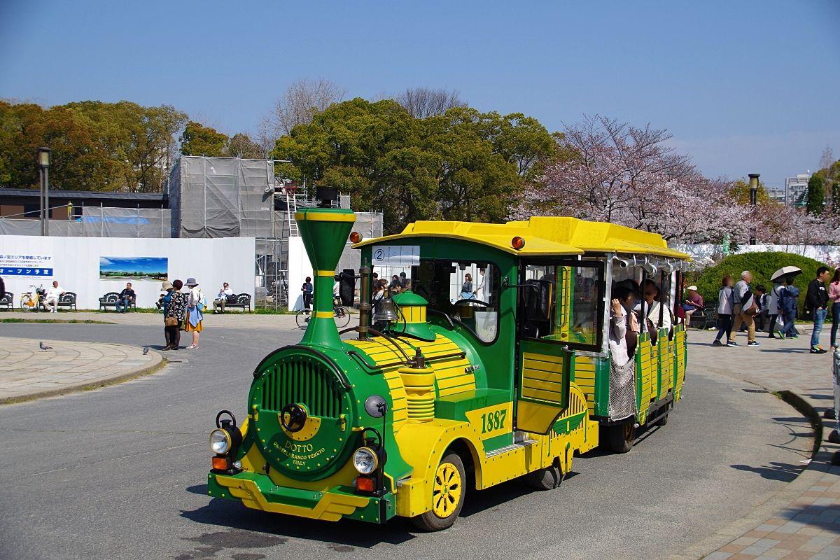 いつもと違う目線で桜が楽しめる「大阪城御座船」