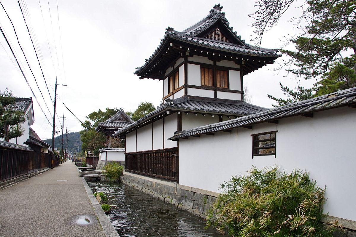 五個荘金堂の町並みへの出発点「近江鉄道・五箇荘駅」