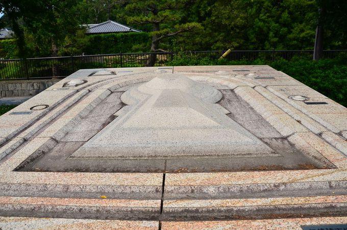 仁徳天皇陵古墳の全景を見ることのできる高度は約300m