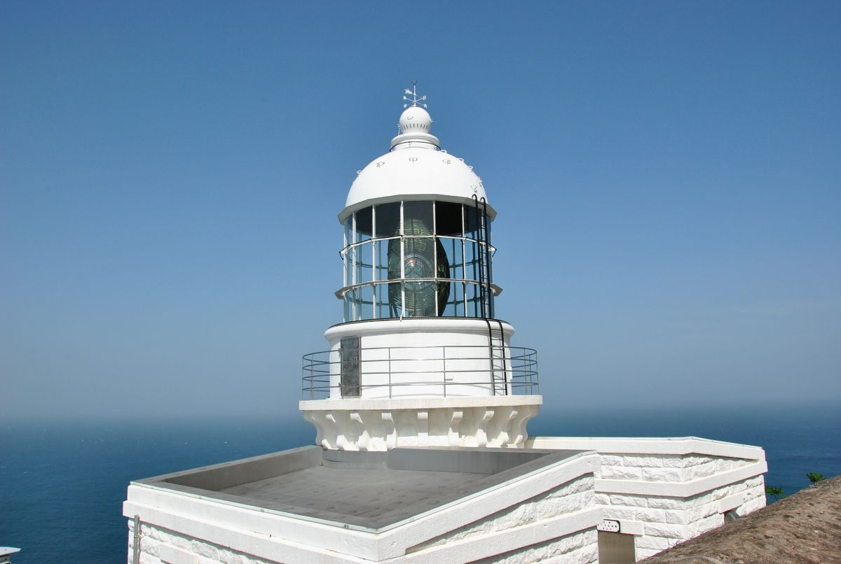 日本三大灯台のひとつ「経ケ岬灯台」