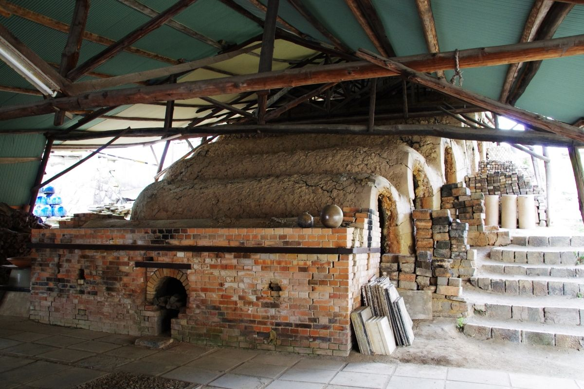 「ogama(大窯)」は老舗窯元のアンテナショップ
