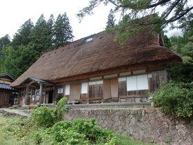 富山・五箇山 相倉合掌造り集落「勇助」は宿泊もできる展示館