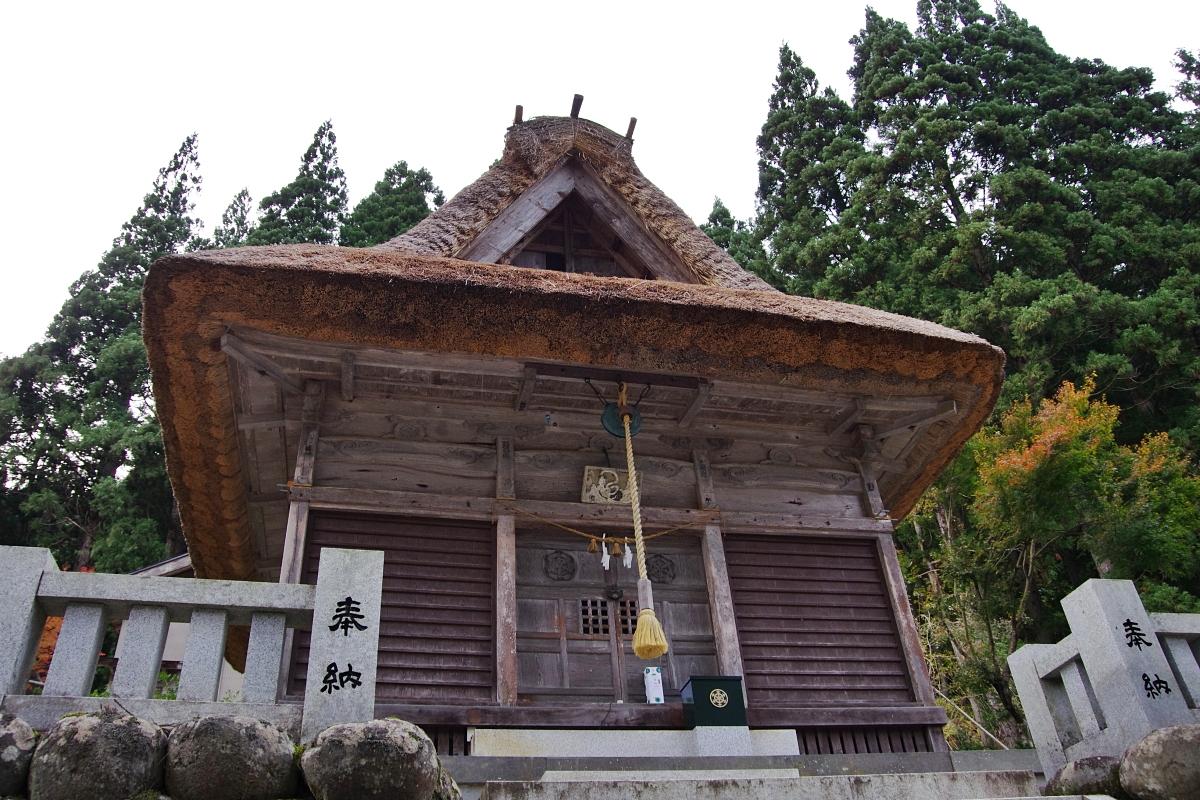 富山県最古の木造建築物がある「白山宮」