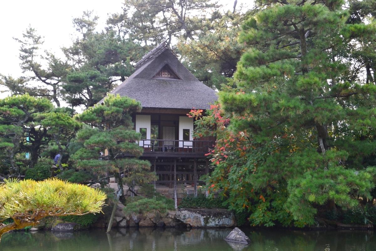 現存する日本最古の煎茶室「観潮楼」