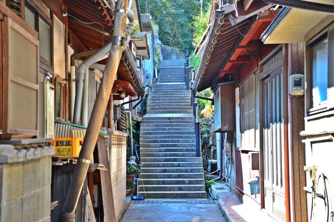 石段の街 尾道を彷彿とさせる「音戸銀座街」