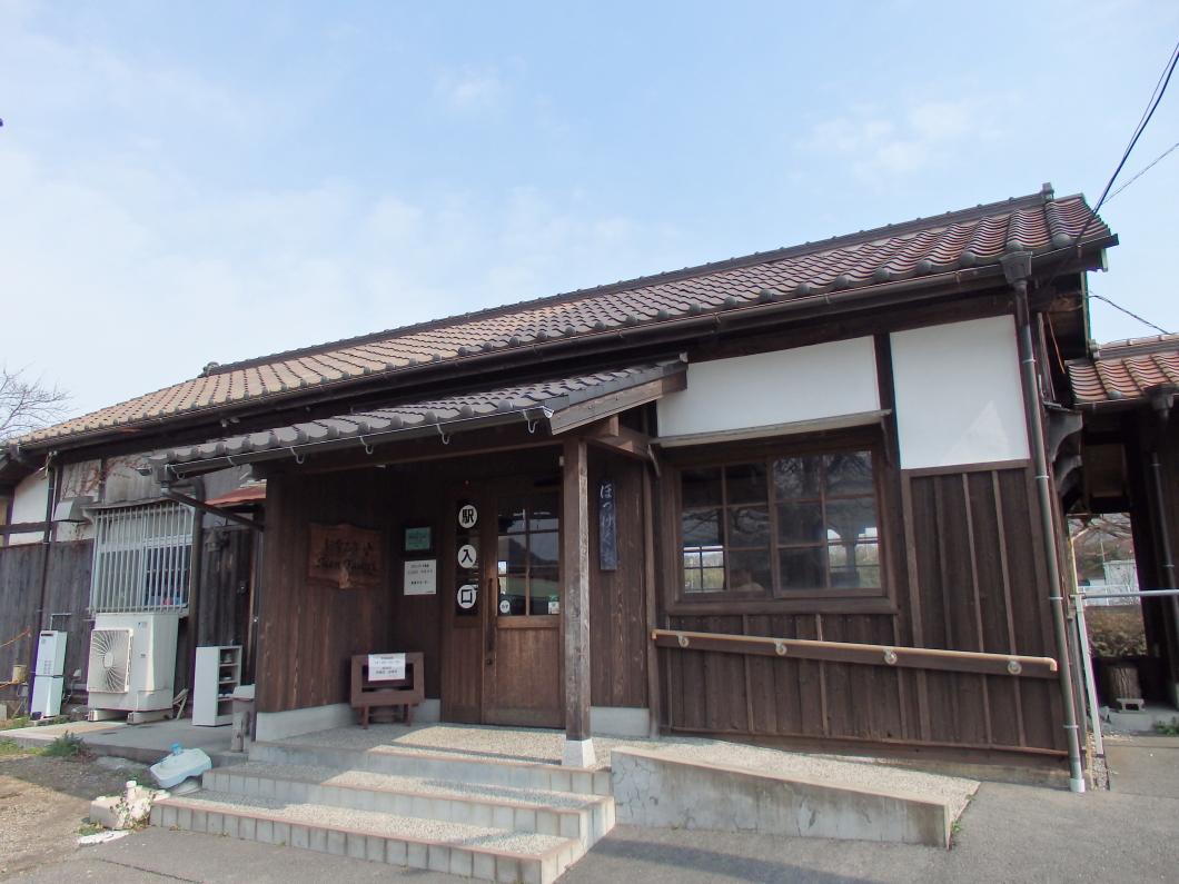 北条鉄道「法華口駅」は鶉野飛行場跡への玄関口