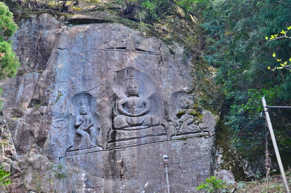 和歌山県・田辺「奇絶峡」で巨岩奇岩が織りなす渓谷美を満喫!