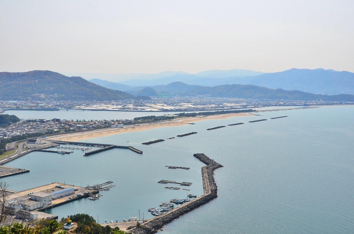 雑賀崎から片男波まで 和歌の浦を一望する「高津子山展望台」