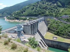 まるで巨大な神殿!奈良・川上村「大滝ダム」を探検しよう