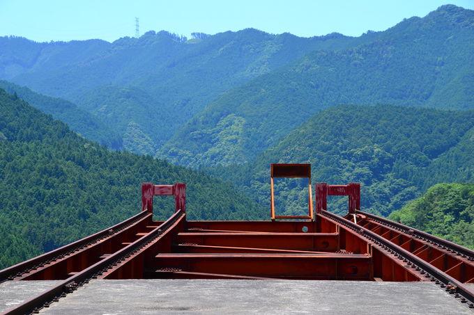 黒四ダムでも使われた建設時のモニュメント「クロベノエキ」