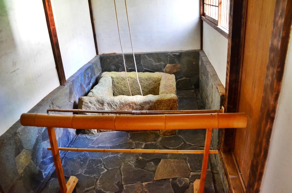 根來寺は紀州漆器「根来塗発祥の地」