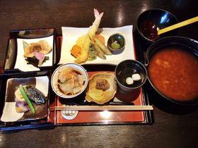 和歌山・根来のグルメスポット「古民家カフェレストラン 初花」