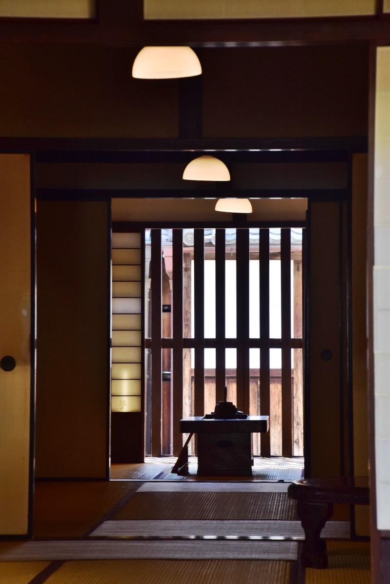 「離れ」のパネルで、奈良町の歴史や町家の基礎知識を学ぼう