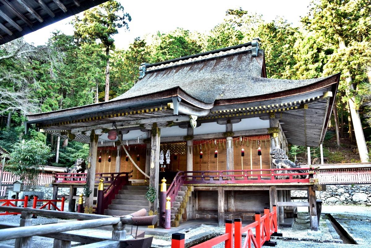 日吉大社独特の建築構造「日吉造(ひえづくり)」とは