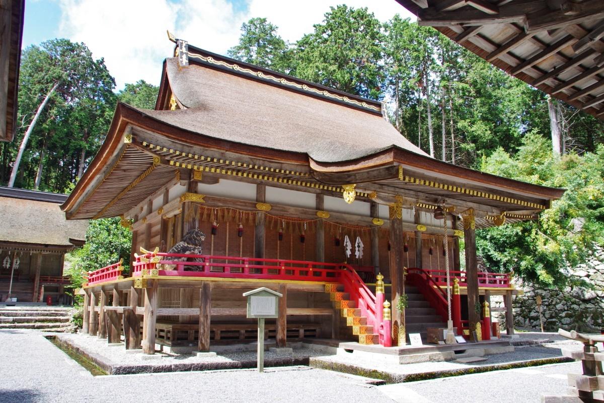 特別公開の「神輿収蔵庫」で日吉大社山王祭に思いをはせる