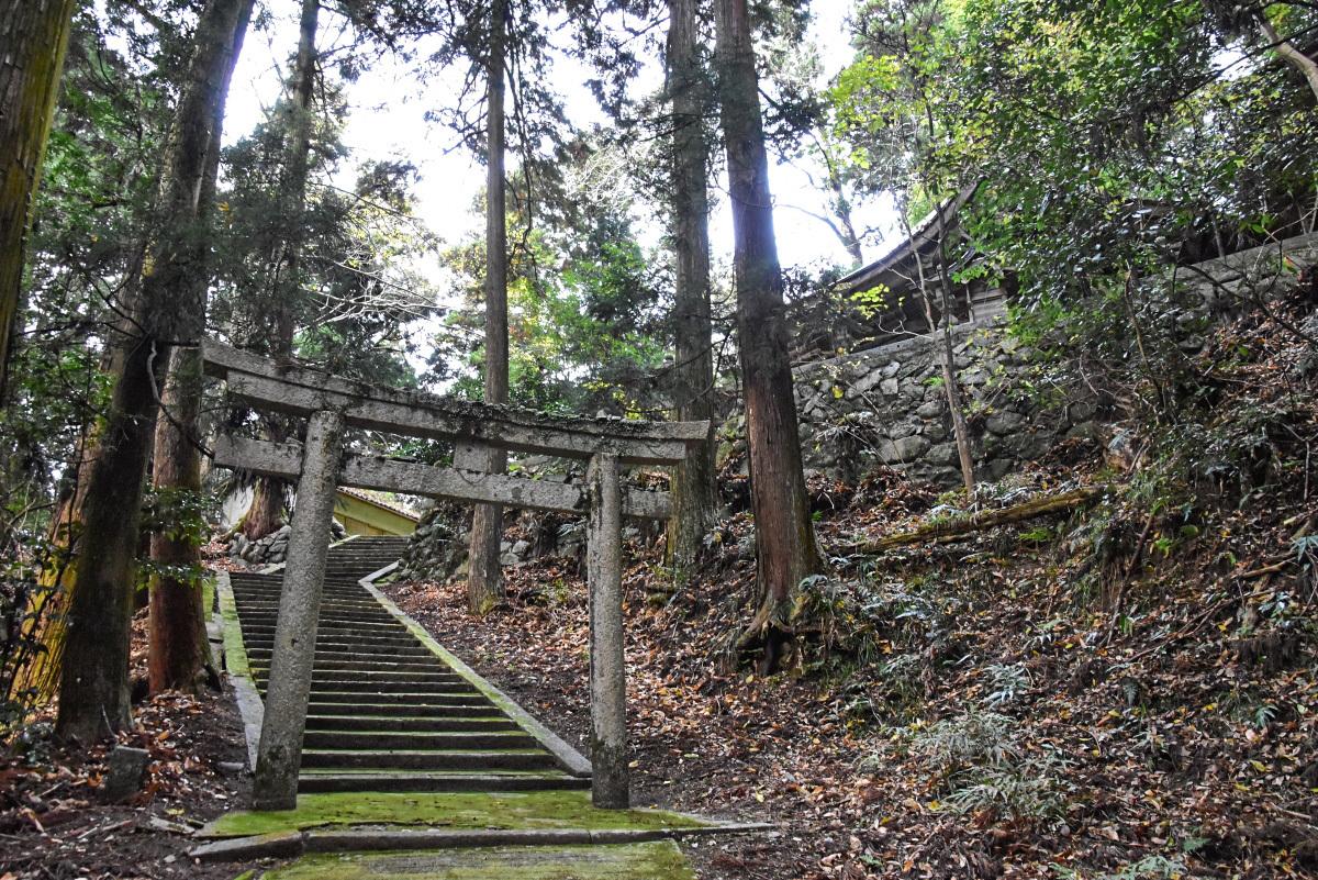日本一名前の長い神社「飛鳥川上坐宇須多岐比売命神社」とは