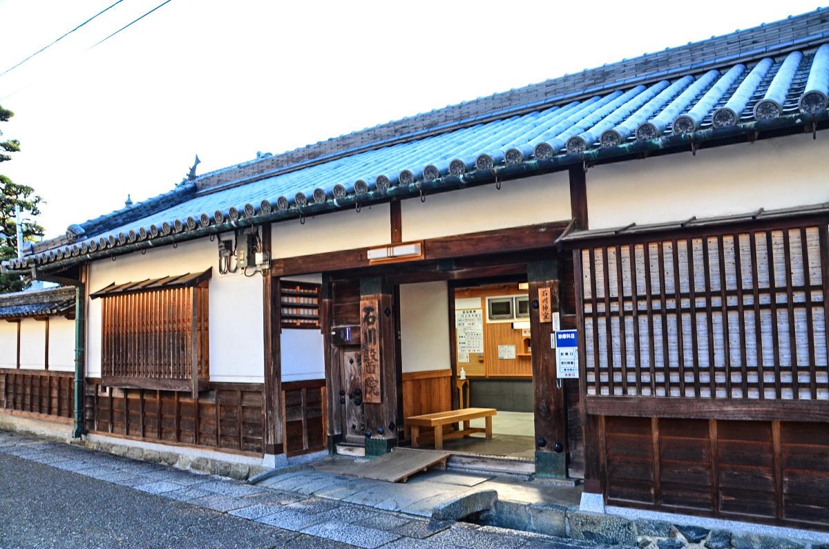 唯一現存する高取城の遺構「子嶋寺 山門」