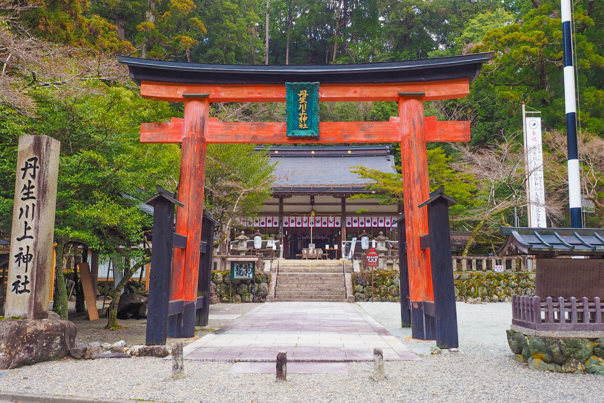 奈良・水の神様を祀るパワースポット!「丹生川上神社中社」