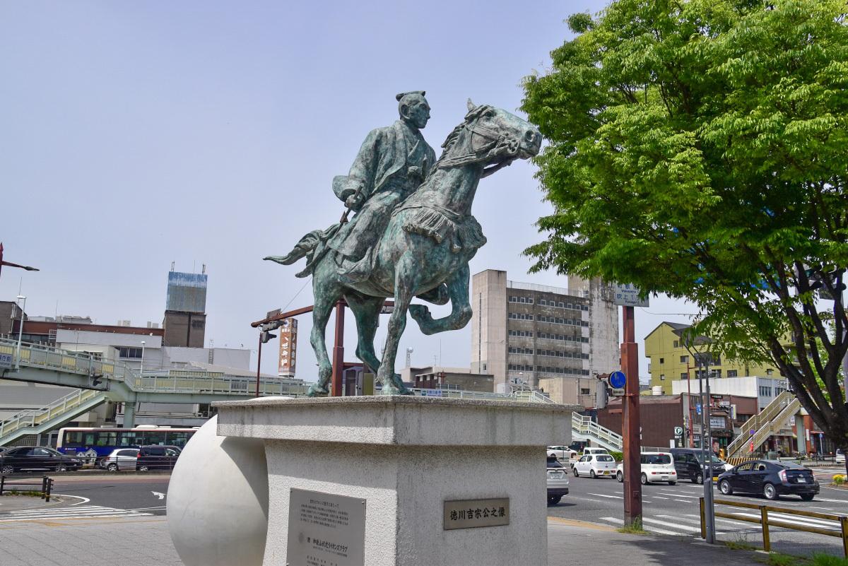 和歌山市出身の先人・偉人の銅像めぐりもおすすめ
