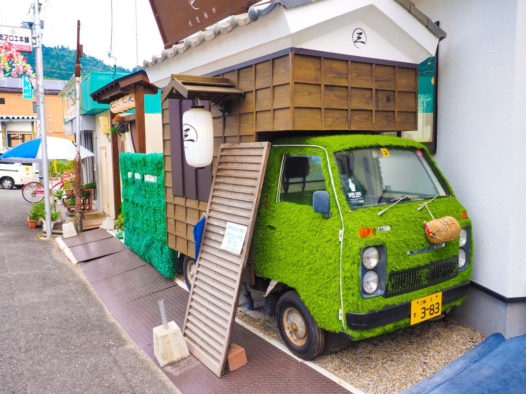 奈良県唯一のそうめん流し「三輪そうめん流し 乾製麺所」