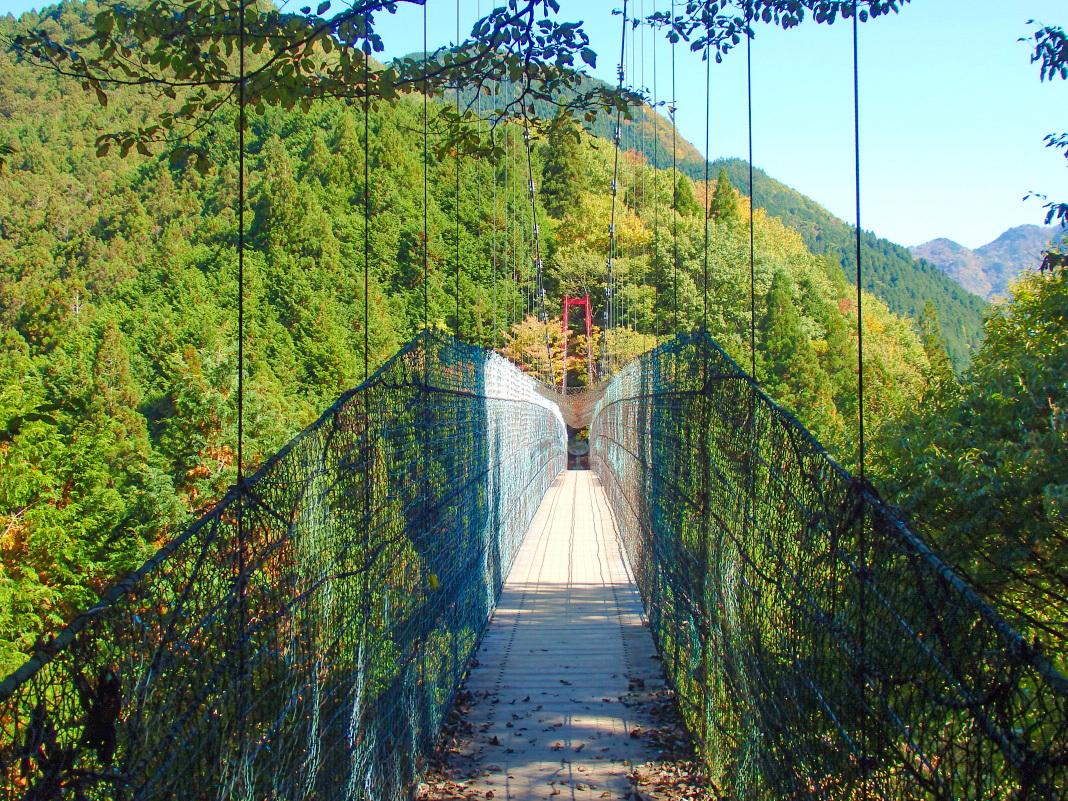 洞川温泉を一望!天川村で一番長い吊り橋「かりがね橋」