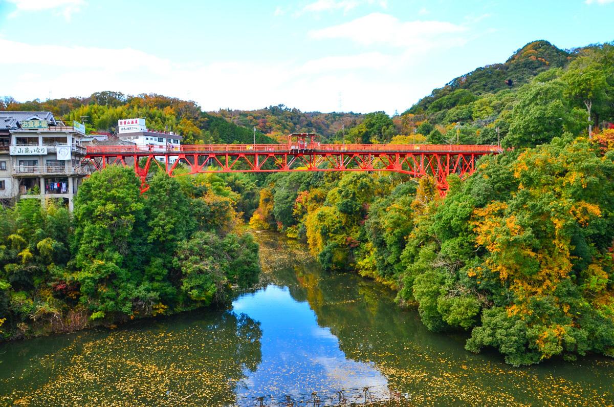 登録有形文化財の開運橋で「バンジージャンプ」もおすすめ