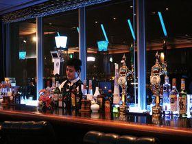極上みなと夜景に乾杯!雰囲気あるバーラウンジ併設「ナビオス横浜」に泊まって横浜の夜を満喫!